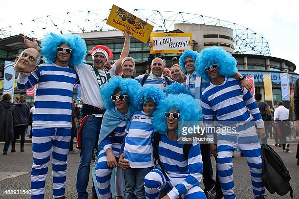 Argentinian rugby fans pose for photographs at Twickenham Stadium ahead of the World Cup opening ceremony on September 18 2015 in London England The...