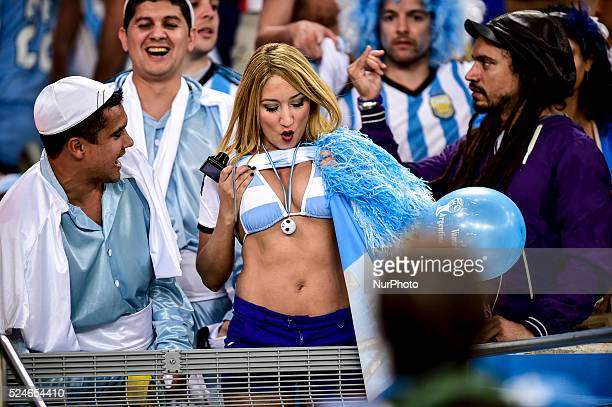 Argentinians cheers for the national team at the match of the 2014 World Cup between Argentina and BosniaHerzegovina this Sunday June 15th in Rio de...