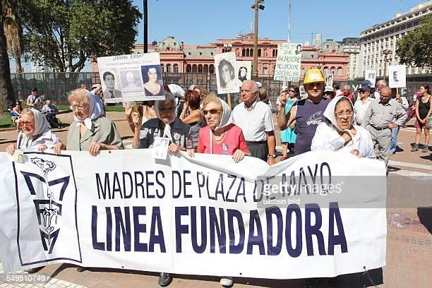 179 / ARG Argentinien Buenos Aires Demonstration der Madres de la Plaza de Mayo auf dem Plaza de Mayo