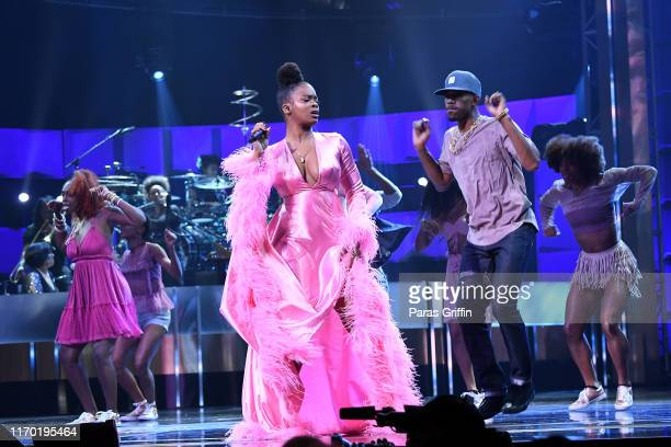 Ari Lennox performs onstage at Black Girls Rock 2019 Hosted By Niecy Nash at NJPAC on August 25, 2019 in Newark, New Jersey.