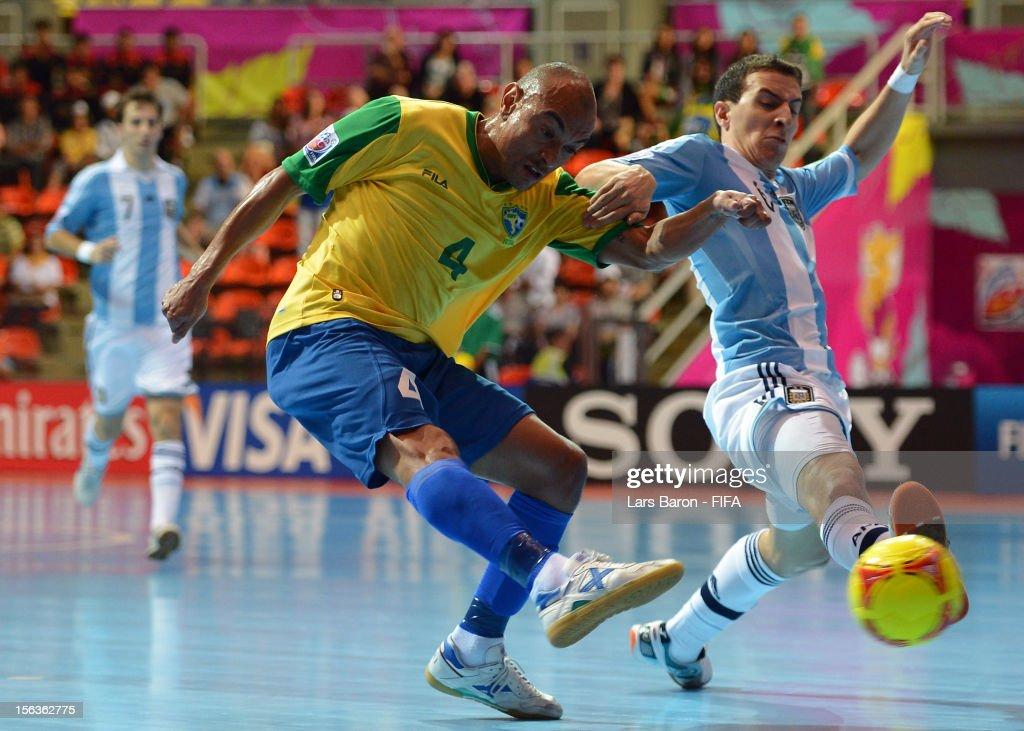 Argentina v Brazil: Quarter-Final - FIFA Futsal World Cup Thailand 2012 : News Photo