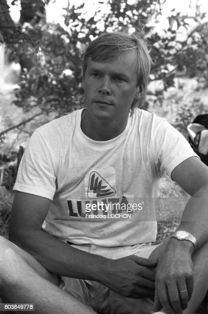 Ari Vatanen lors d'essais pour le Rallye ParisDakar au Niger en novembre 1986