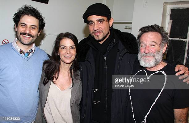 Arian Moayed Annabella Sciorra Bobby Cannavale and Robin Williams pose backstage at the hit play Bengal Tiger at the Baghdad Zoo on Broadway at The...