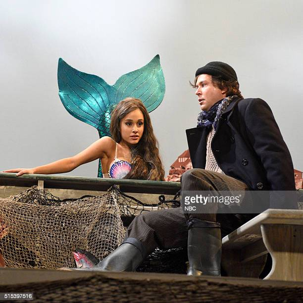 LIVE 'Ariana Grande' Episode 1698 Pictured Ariana Grande and Taran Killam during the 'Mermaids' sketch on March 12 2016