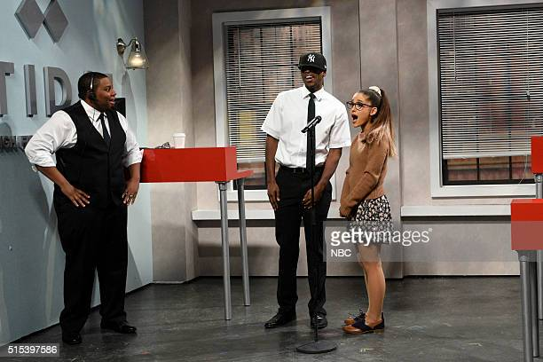 LIVE 'Ariana Grande' Episode 1698 Pictured Kenan Thompson Jay Pharoah as JayZ and Ariana Grande during the 'Tidal' sketch on March 12 2016
