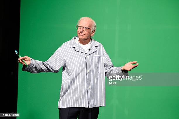 LIVE 'Ariana Grande' Episode 1698 Pictured Larry David as Senator Bernie Sanders during the 'Carson Endorsement Cold Open' sketch on March 12 2016