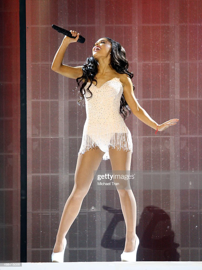 Ariana Grande performs onstage at the 2015 American Music Awards at Microsoft Theater on November 22, 2015 in Los Angeles, California.