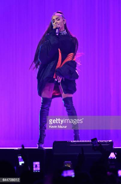 Dangerous Woman Tour Pictures And Photos Getty Images