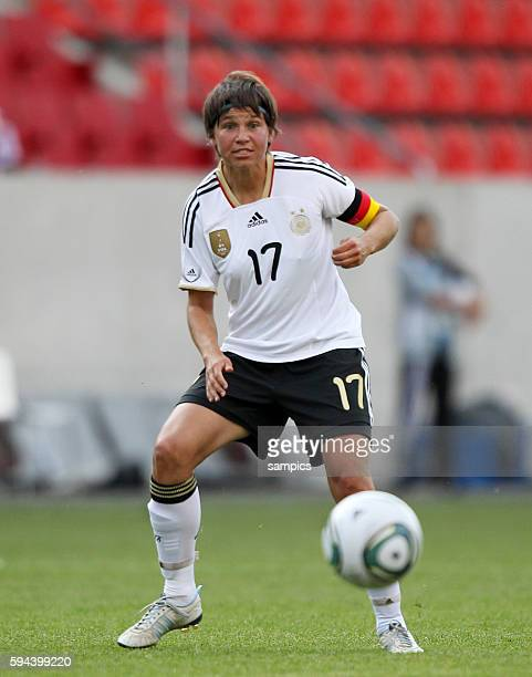 Ariane Hingst Frauenfussball Länderspiel Deutschland Nordkorea Korea DVR 20 am 21 5 2011