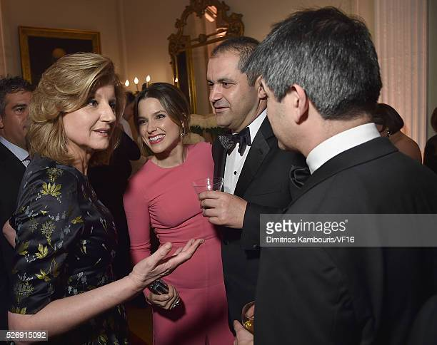 Arianna Huffington Sophia Bush and Travis Kalanick attend the Bloomberg Vanity Fair cocktail reception following the 2015 WHCA Dinner at the...