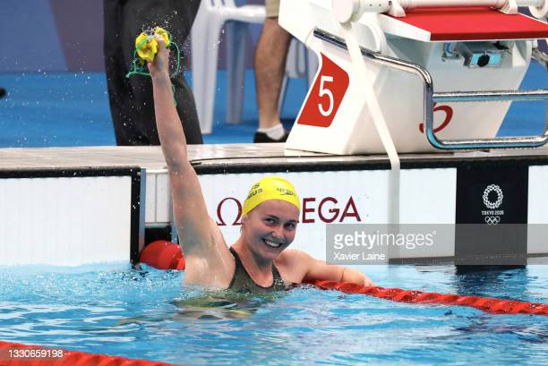 Ariarne Titmus of Australia celebrates her victory during the Women's 400m Freestyle on day three of the Tokyo 2020 Olympic Games at Tokyo Aquatics...