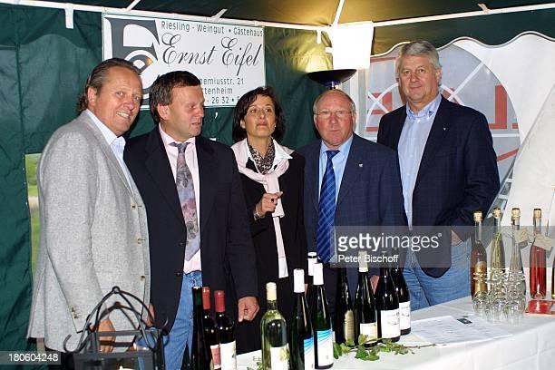 Arie Haan Ernst Eifel und Frau Uwe Seeler Max Lorenz GolfGala während dem GolfTurnier für 'Uwe SeelerStiftung' Achim 'Grothenns'Gasthof Party