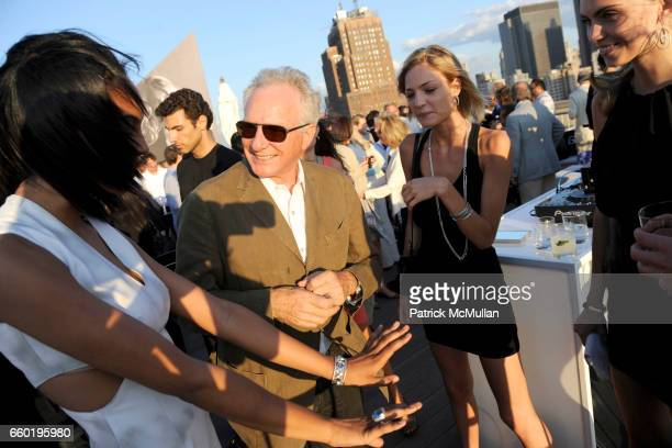 Ariel Meredith David Yurman Barbara Berger and Emily Senko attend DAVID YURMAN Annual Summer Rooftop Party at David Yurman on July 14 2009 in New...