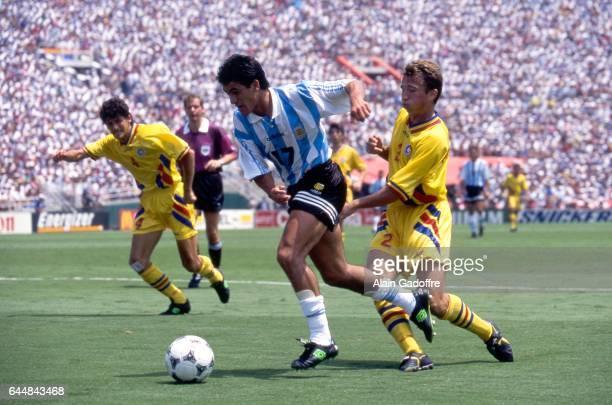 Ariel Ortega / Dan Petrescu Argentine / Roumanie 1/8emeFinale Coupe du Monde 1994 Photo Alain Gadoffre / Icon Sport