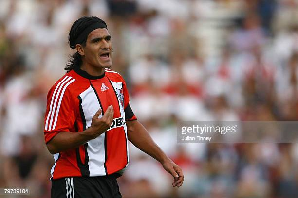 Ariel Ortega of River Plate gives instructions during the Primera Division closing season match between River Plate and Gimnasia de Jujuy at the...