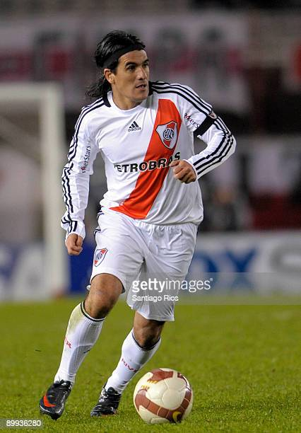 Ariel Ortega of River Plate in action during a Copa Nissan Sudamericana 2009 soccer match against Lanus on August 19 2009 in Buenos Aires Argentina