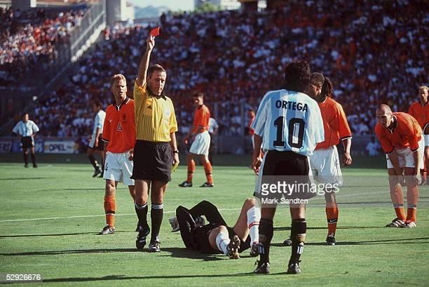 1 VIERTELFINALE ROTE KARTE FUER Ariel ORTEGA/ARG Frank DE BOER/HOL Schiedsrichter Arturo BRIZIO CARTER/MEX Torwart Edwin van der SAR/HOL Ariel...