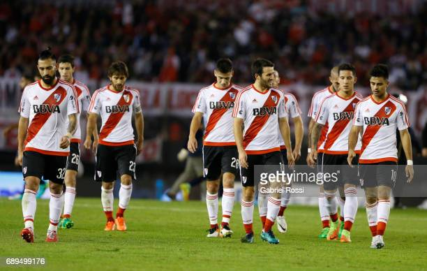 Ariel Rojas Camilo Mayada Sebastian Driussi Leonardo Ponzio and Gonzalo Martinez of River Plate leave the field at the end of the first half during a...