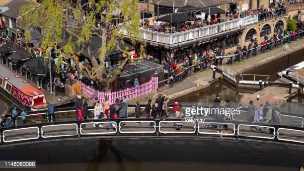カムデン・ロック上空のアリエル・ビュー、ロンドン - カムデンロック ストックフォトと画像