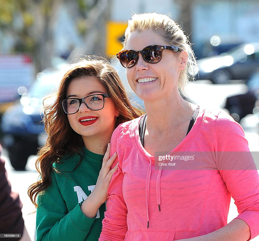 Ariel Winter (L) and Julie Bowen are seen on February 24, 2013 in Los Angeles, California.