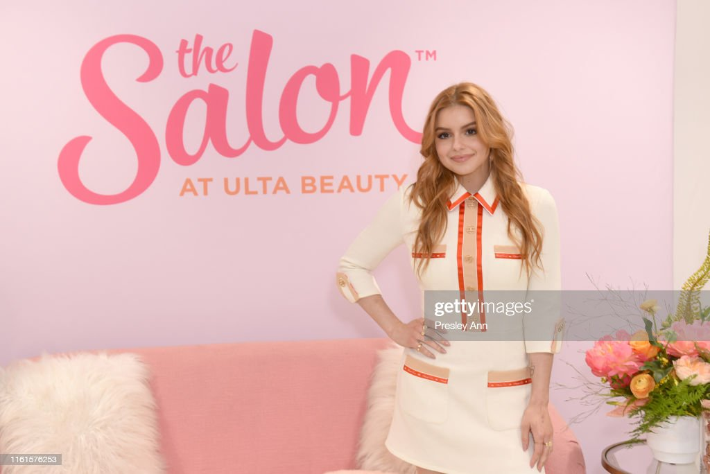 Ariel Winter for The Salon at Ulta Beauty New Signature Blowout Menu Launch... : News Photo