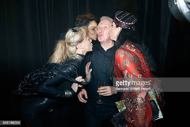 Arielle Dombasle Farida Khelfa Seydoux stylist Jeanpaul Gaultier and Rossy de Palma pose after the Jean Paul Gaultier Haute Couture Fall/Winter...
