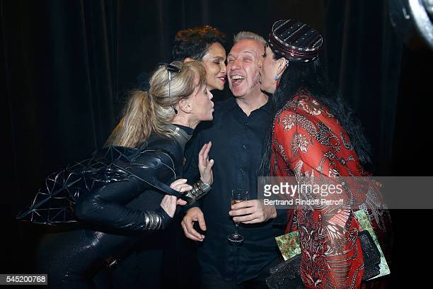 Arielle Dombasle Farida Khelfa Seydoux stylist Jeanpaul Gaultier and Rossy de Palma pose after the Jean Paul Gaultier Haute Couture Fall/Winter...
