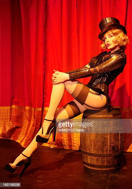 Arielle Dombasle Plays Daisy Belle In Jerome Savary Show Arielle DOMBASLE interprète Daisy Belle la meneuse de revue du MoulinRose dans 'Don...