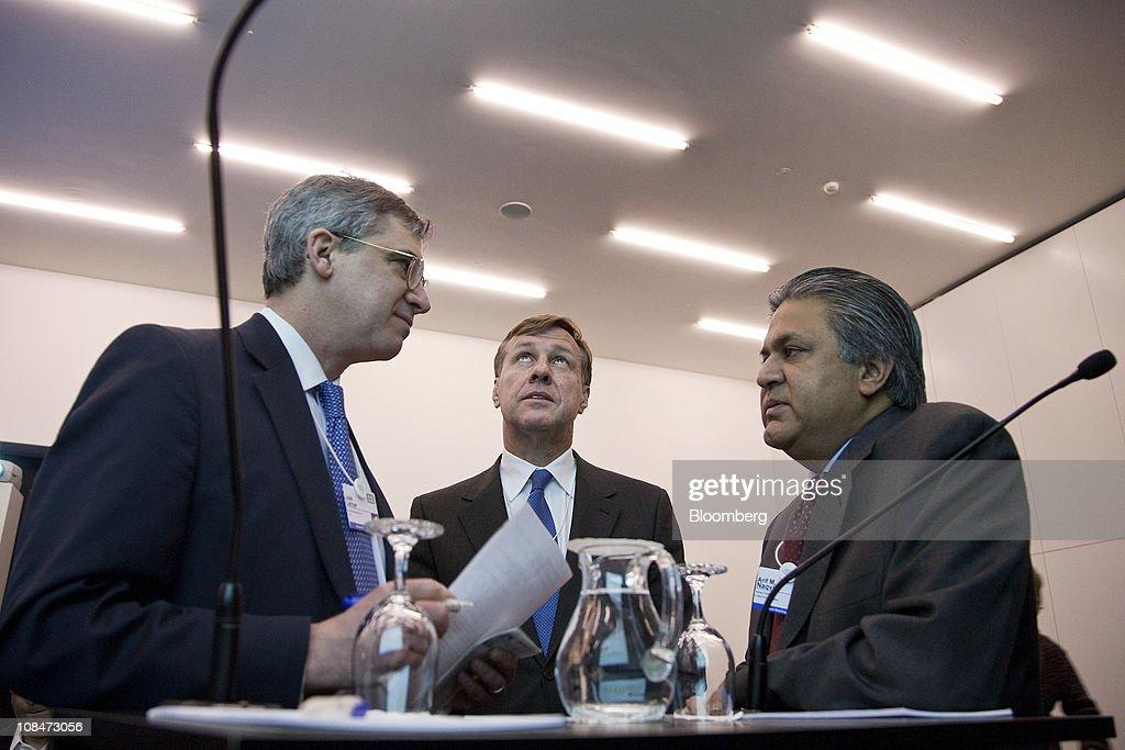 Arif Naqvi, chief executive officer of Abraaj Capital, right