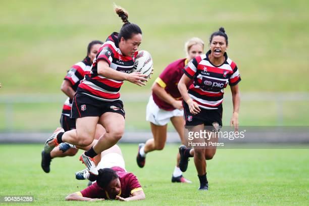 Arihiana MarinoTauhinu of Counties Manukau makes a break during the Bayleys National Sevens match between Counties Manukau and Southland at Rotorua...