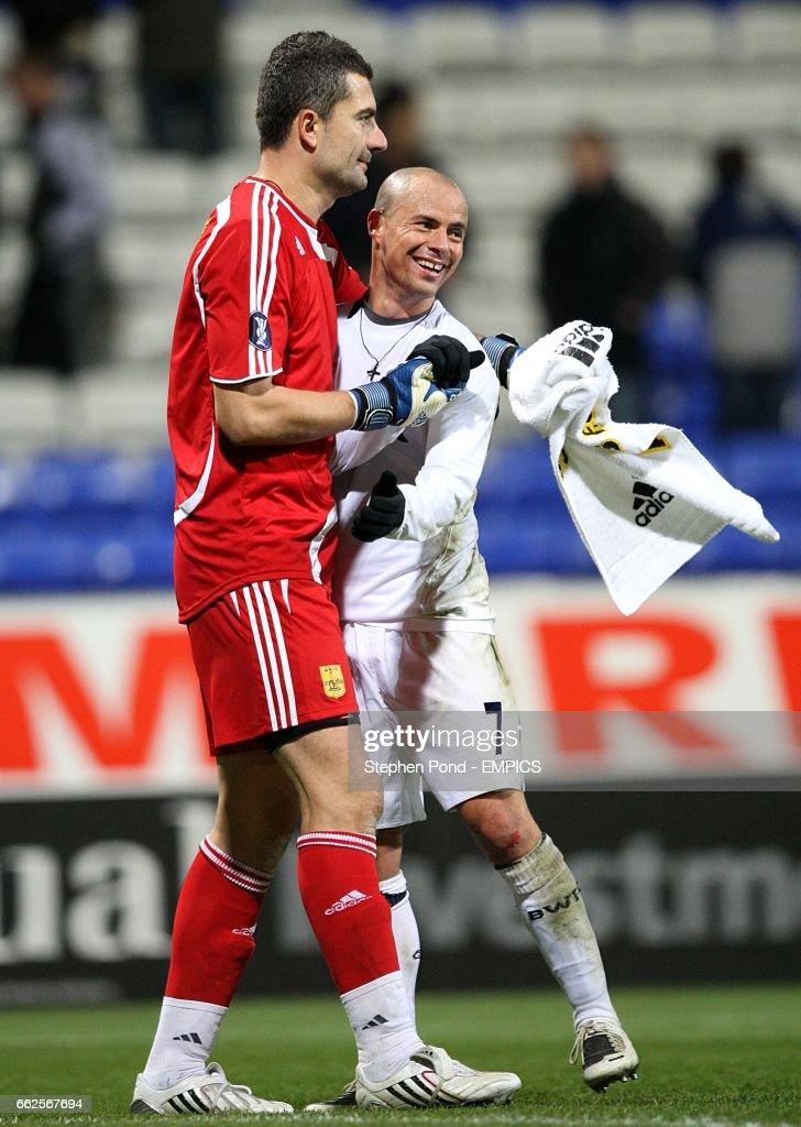 Soccer - UEFA Cup - Group F - Bolton Wanderers v Aris Salonika - Reebok Stadium : News Photo