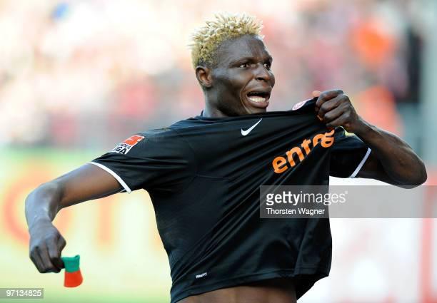 Aristide Bance of Mainz celebrates after scoring the 11 during the Bundesliga match between FSV Mainz 05 and SV Werder Bremen at Bruchweg Stadium on...