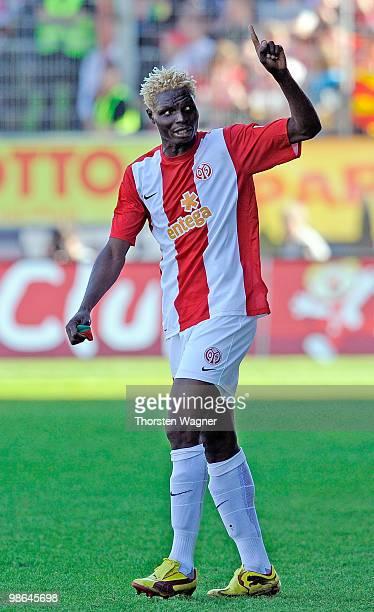 Aristide Bance of Mainz celebrates after scoring the 21 during the Bundesliga match between FSV Mainz 05 and Eintracht Frankfurt at Bruchweg Stadium...