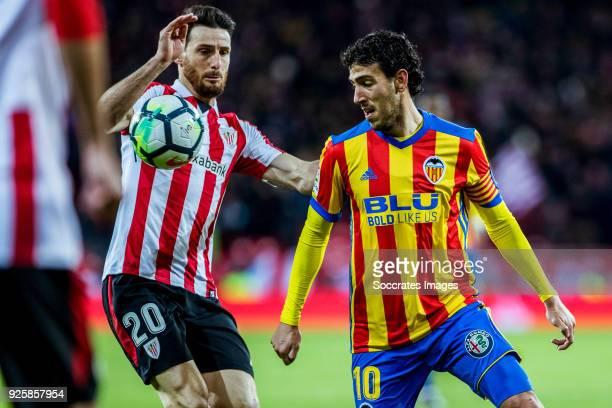 Aritz Aduriz of Athletic Bilbao Daniel Parejo of Valencia CF during the La Liga Santander match between Athletic de Bilbao v Valencia at the Estadio...