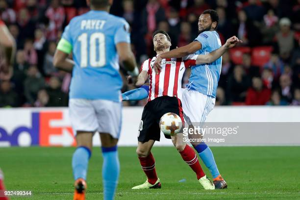 Aritz Aduriz of Athletic Bilbao Rolando of Olympique Marseille during the UEFA Europa League match between Athletic de Bilbao v Olympique Marseille...