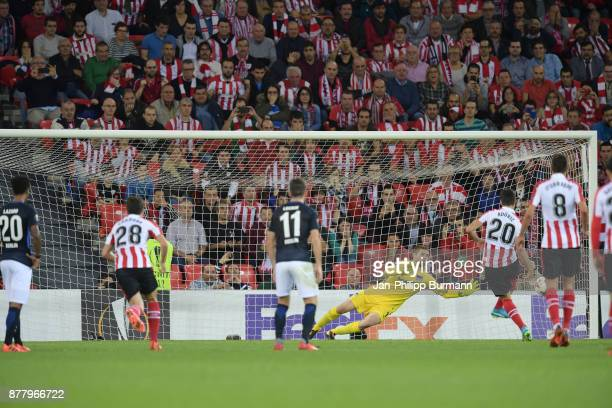 Aritz Aduriz of Athletic Bilbao scores the 22 during the UEFA Europe League Group J match between Athletic Bilbao and Hertha BSC at San Mames Stadium...