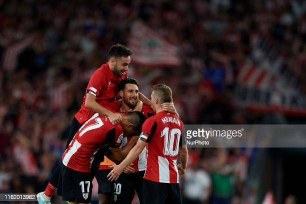 Aritz Aduriz of Athletic celebrates victory after the Liga match between Athletic Club and FC Barcelona at San Mames Stadium on August 16 2019 in...