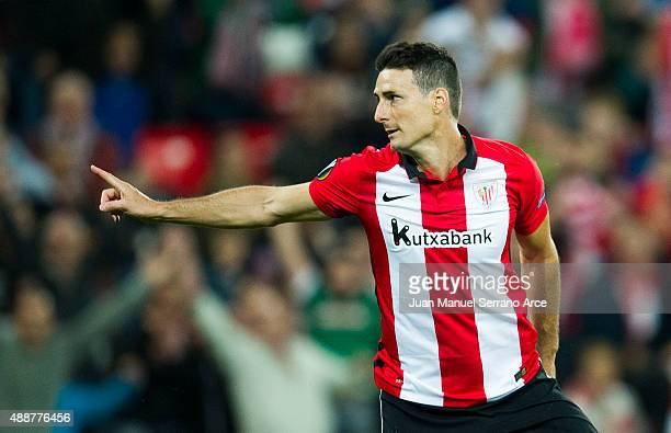 Aritz Aduriz of Athletic Club celebrates after scoring during the UEFA Europa League match between Athletic Club and FC Augsburg at San Mames Stadium...