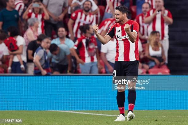Aritz Aduriz of Athletic Club celebrates after scoring her team's first goal during the Liga match between Athletic Club and FC Barcelona at San...