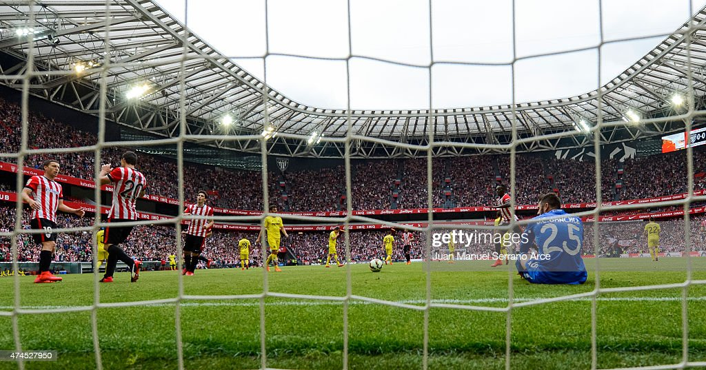 Aritz Aduriz of Athletic Club celebrates after scoring his team's first goal during the La Liga match between Athletic Club Bilbao and Villarreal at San Mames Stadium on May 23, 2015 in Bilbao, Spain.