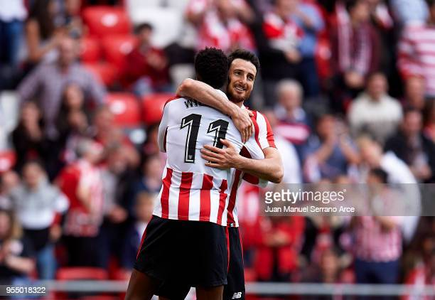 Aritz Aduriz of Athletic Club celebrates with his teammates Inaki Williams of Athletic Club after scoring his team's second goal during the La Liga...