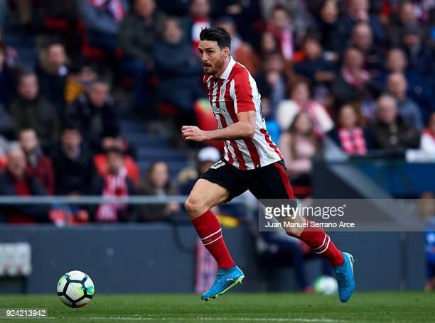 Aritz Aduriz of Athletic Club controls the ball during the La Liga match between Athletic Club Bilbao and Malaga CF at San Mames Stadium on February...