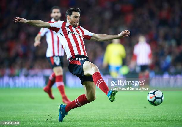 Aritz Aduriz of Athletic Club in action during the La Liga match between Athletic Club and oUnion Deportiva Las Palmas at Estadio San Mames on...