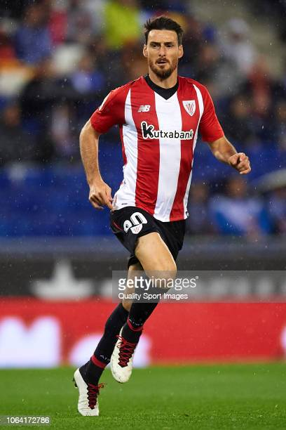 Aritz Aduriz of Athletic Club looks on during the La Liga match between RCD Espanyol and Athletic Club at RCDE Stadium on November 5 2018 in...