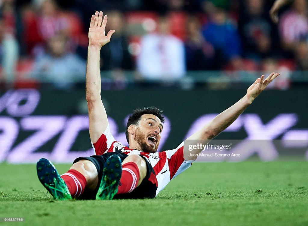 Aritz Aduriz of Athletic Club reacts during the La Liga match between Athletic Club Bilbao and RC Deportivo La Coruna at San Mames Stadium on April 14, 2018 in Bilbao, Spain.