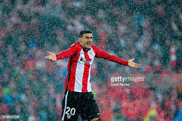 Aritz Aduriz of Athletic Club reacts during the UEFA Europa League quarter final first leg match between Athletic Bilbao and Sevilla at San Mames...