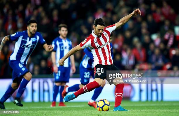 Aritz Aduriz of Athletic Club scoring his team's second goal during the La Liga match between Athletic Club Bilbao and Deportivo Alaves at San Mames...