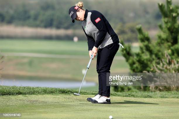 Ariya Jutanugarn of Thailand plays a putt on the 6th green during the third round of the LPGA KEB Hana Bank Championship at Sky 72 Golf Club on...