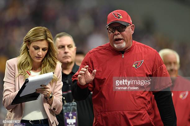 Arizona Cardinals head coach Bruce Arians speaks with Erin Andrews FOX Sports sideline reporter after the close of the first half of the game against...
