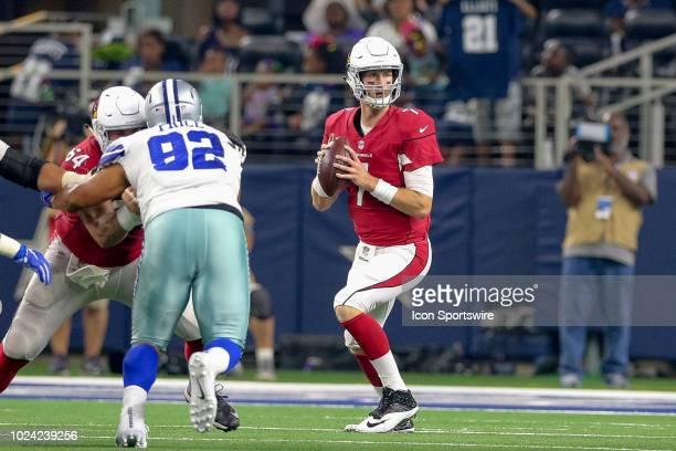 Arizona Cardinals quarterback Mike Glennon drops back to pass during the preseason football game between the Dallas Cowboys and Arizona Cardinals on...